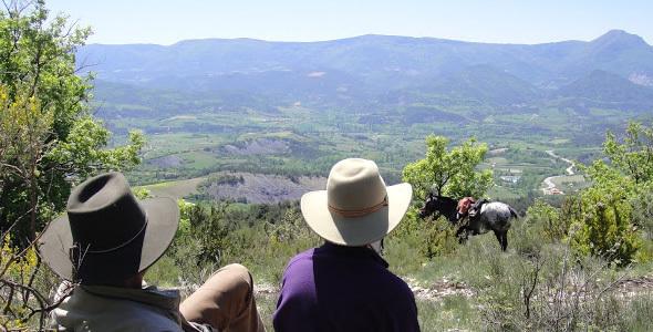 Pause randonneur à cheval Camping des Rosières